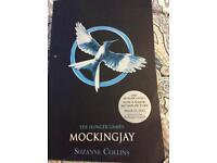 THE HUNGER GAMES MOCKINGJAY BOOK