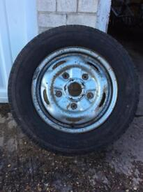 Spare wheel and 195/70/R15 tyre