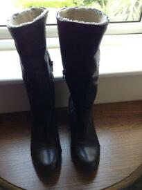Bench ladies leather wedge boots 5 BN