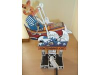CAREFULLY HANDCRAFTED UNUSUAL FULLY ASSEMBELLED MOVING CONTRABAND CAT CARD CUT OUT AUTOMATA