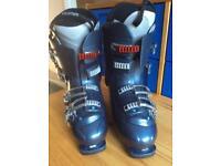 Salomon Ski Boots Size 10 - Winchester