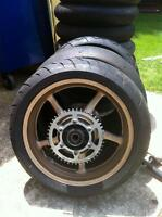 2014 YAMAHA R6R REAR WHEEL WITH ONLY 50 MILES ON IT
