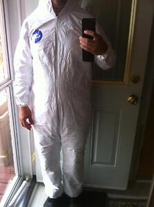 DUPONT TyVEK DISPOSABLE PAINT COVERALLS WITH HOOD