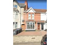 ** 2 BEDROOM FLAT [NEW FITTED KITCHEN] - TO LET / RENT - GROUND FLAT **