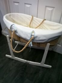 Mosses basket with stand and mattress