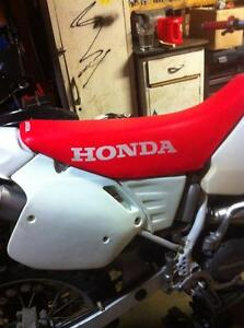 Honda cr500 92 with a Honda CRF450 complete bike without the eng Windsor Region Ontario image 5