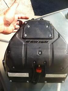 2009 YAMAHA R1LE  SWING ARM AIR BOX FUEL INJECTION WITH 20000KM Windsor Region Ontario image 6