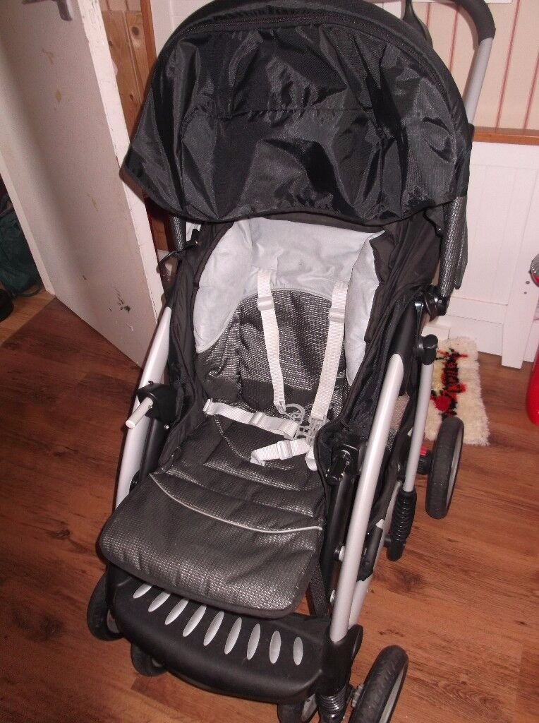 Mothercare Travel System newborn to 3 or 4 years with all accessories. Excellent condition.