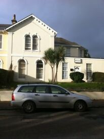 SELF CONTAINED BEDSIT TORQUAY