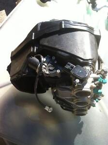 2009 YAMAHA R1LE  SWING ARM AIR BOX FUEL INJECTION WITH 20000KM Windsor Region Ontario image 8