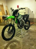 2009 Kawasaki kx250f. must sell. spare top end kit