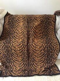 Rare Marks & Spencer large animal print throw blanket Black & Tan beautiful condition pick up/Post