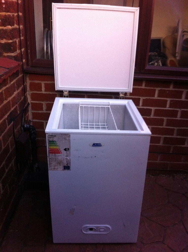 chest freezer for sale in derby derbyshire gumtree. Black Bedroom Furniture Sets. Home Design Ideas