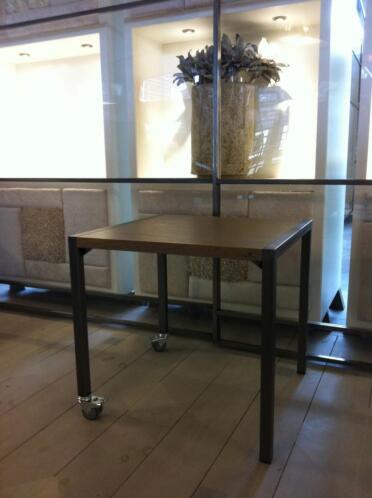 Iron tafel met ijzeren onderstel horeca restaurant for Horeca tafels