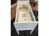 White Baby Crib Excellent Condition