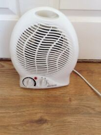Fan and heater in one - white - as new - BARGAIN