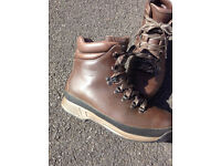 Hiking Boots Rockport XCS......Size 8