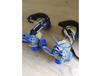 Roller skates for a child - adjustable up to about size 3.