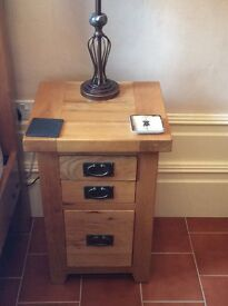 2 Vancouver solid oak bedside cabinets excellent condition