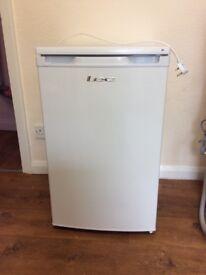 LEC A+ Larder fridge