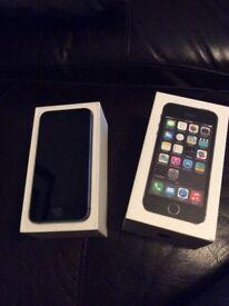 Apple iPhone 5S. 32GB. Unlocked, space grey.