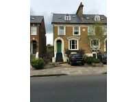 Rooms to rent in Teddington High Street, available now