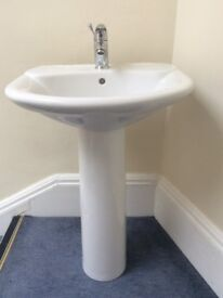 AS NEW High Quality Pedestal Sink with Bristan Mixer Tap and Pop Up Sink (RRP +£250)