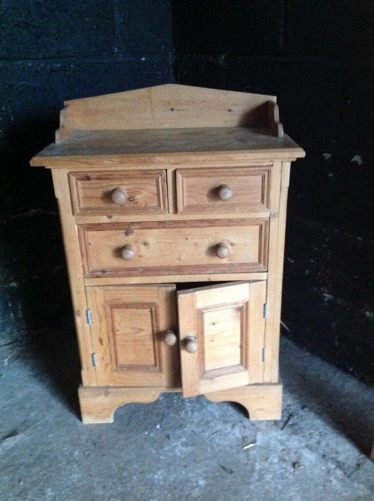 Pine cabinet , 3 drawer and shelving