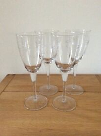 4 large wine glasses for sale £10