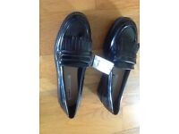 New Black pull & bear patent loafers size 6 ( school shoes)