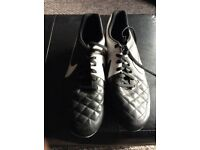 Men's football boots size 9