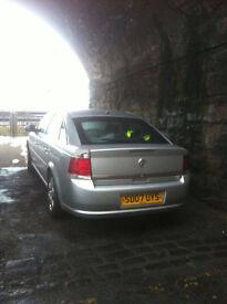 2007 Vauxhall Vectra Exclusive 1.8 petrol. GREAT RUNNER. Good spec. MOT'd.
