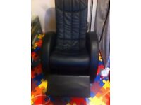 GAMING CHAIR SPEAKERS AND SUB BUILT IN RECLINER