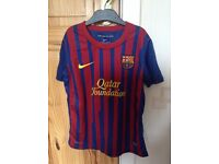 FC Barcelona Nike football top, kids size age 8-10years old.