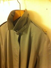 Vintage Burberry-Style Rain/Trench Coat with Waist Belt / Beige / Size L-XL