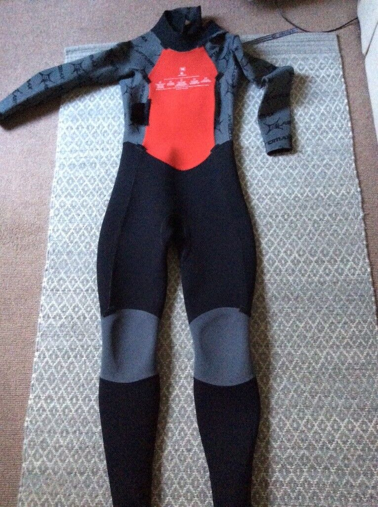 Rip curl ladies wetsuit with warm core