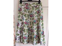Klass Collection linen mix skirt, size 14/40. Used but very good condition