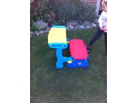 Kids picnic table & 2 benches