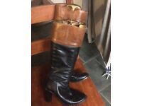 Smart two tone boots size 4