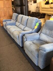 Parkerknoll blue 3 piece suite with electric recliner chair excellent condition