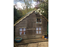 Childrens wendy house / play house
