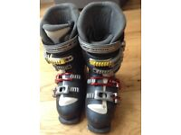 Ladies Ski boots Salomon Irony size 5.5 Excellent condition