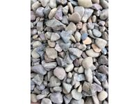 20 mm riverbed garden and driveway chips /stones gravel