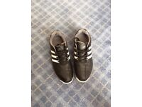 Golf shoes size 6