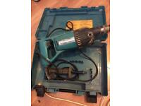 MAKITA CORE DRILL 8406 240V Not working spares or repairs including the case