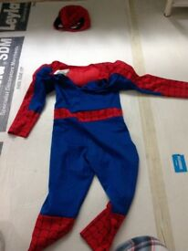 Spiderman and face masque included - dress up - Marvel - as good as new - kids size 3-4 years