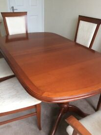 Quality extending dining table 4chairs plus 2carver chairs