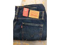 Levi's jeans w34 L32 (NEW)