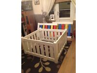 Child gate/playpen
