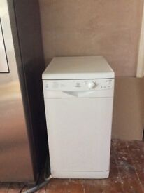 Slimline Indesit 105 Dishwasher Excellent Working Condition